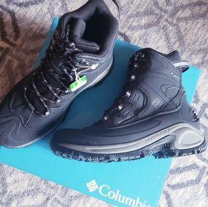 COLUMBIA Womens Waterproof Boots NIB